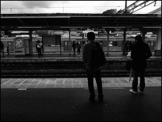電車待ち.jpg